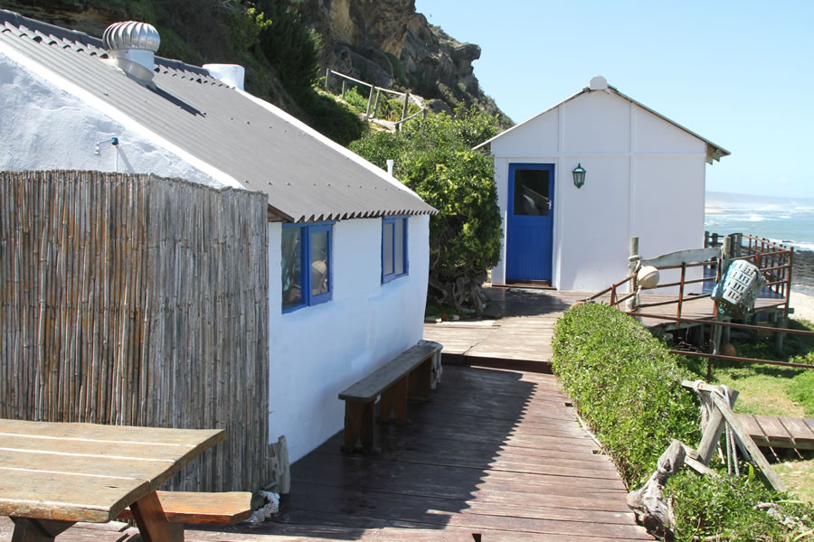 koensrust-beach-shack-outside-view