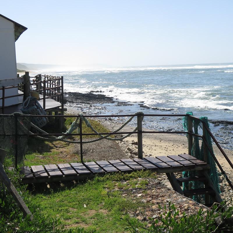 koensrust-beach-shack-seaside-view