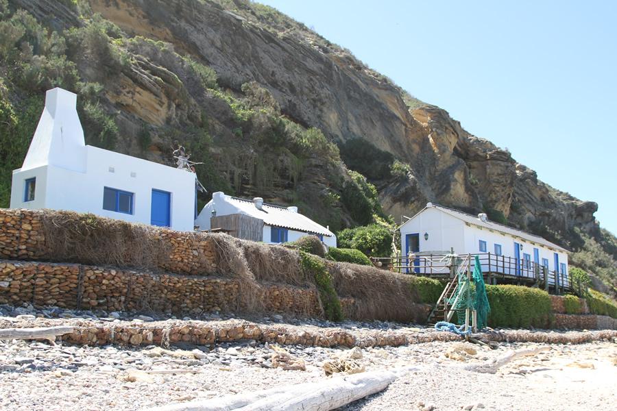 koensrust-beach-shack-view-from-beach