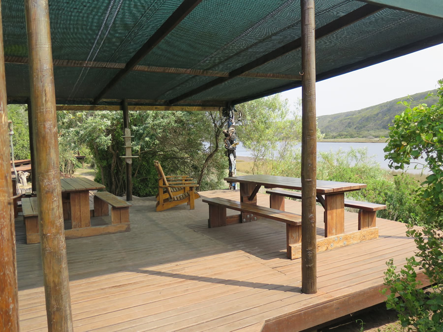 koensrust-tented-river-camp-outdoor-entertainment-area-view-3